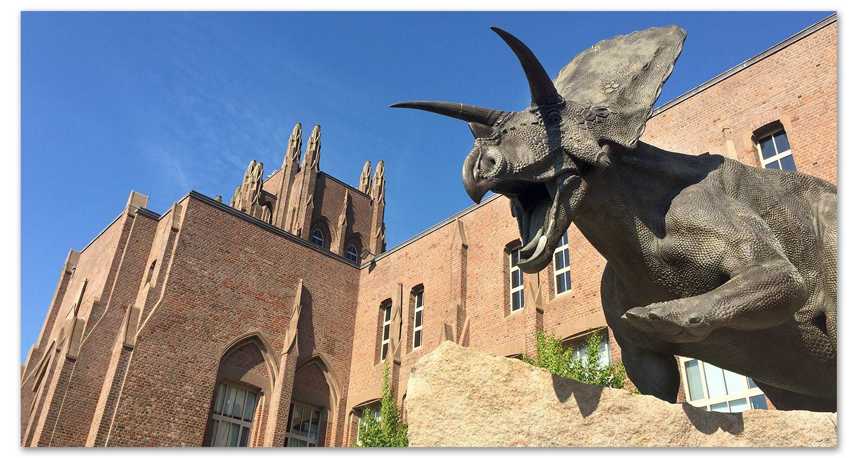 2005 - Bronze Torosaurus Statue Unveiled